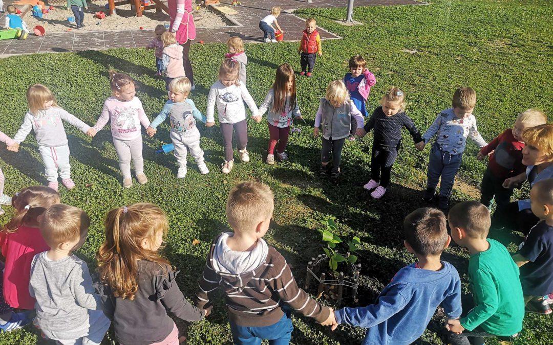 """Dječji vrtić Lojtrica uključen u građansku inicijativu """"Dani kolektivne sadnje drveća"""""""