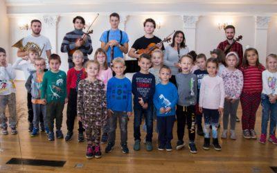 Djeca na koncertu u Hrvatskom glazbenom zavodu