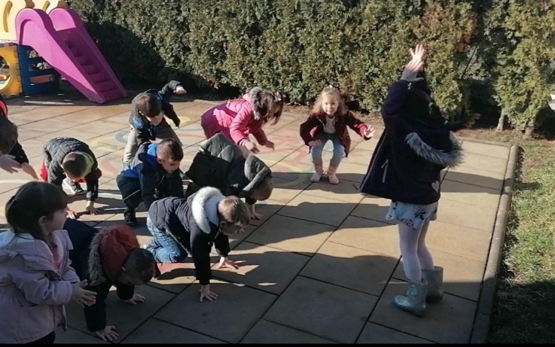 Metoda poučavanja pokretom u skupini s ranim učenjem engleskog jezika u Gradićima